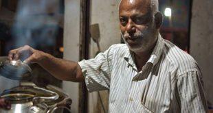 Tea stall owner turns slum kids' Messiah, runs school from own purse
