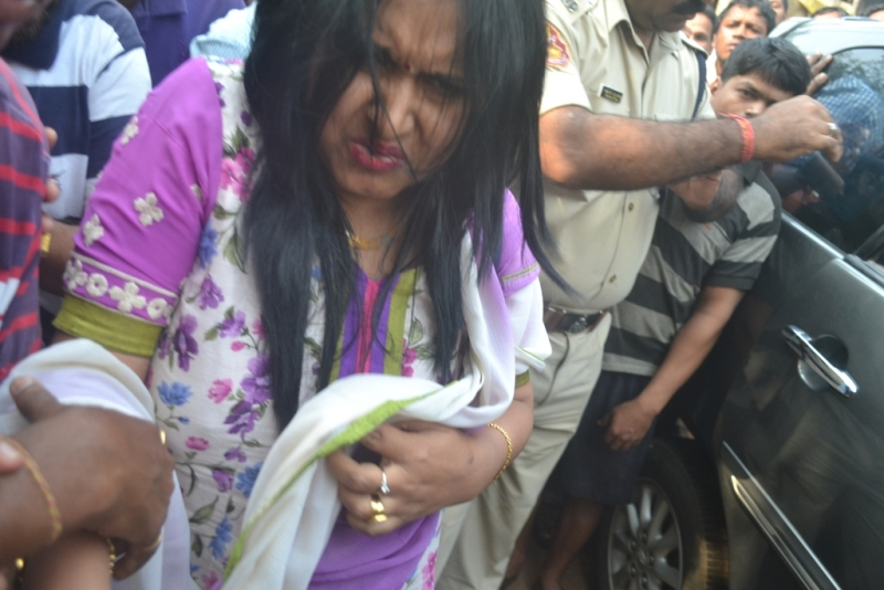 Monali sonalika - lady supporting Sarathi baba arrested for stealing fish in Odisha