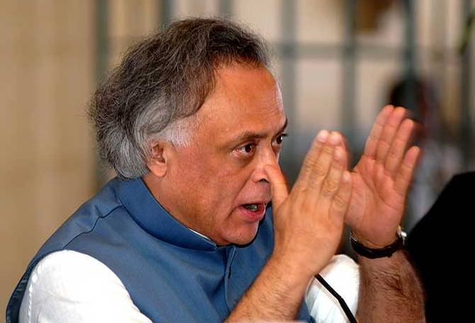 PM ventilator, CBI oxygen cylinder and Naveen patient Jairam