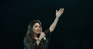 Sunidhi Chouhan Dazzles Audience At KIIT Fest