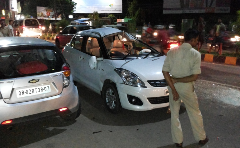 Two Injured In Road Accident In Bhubaneswar