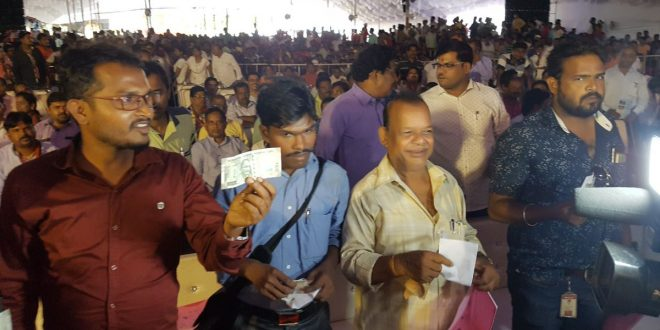 Cash distributed to journalists