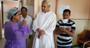 Odisha CM meets Jaga-Kalia at AIIMS, New Delhi