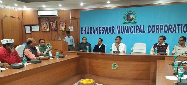 BMC seeks political consensus for hoarding regulations