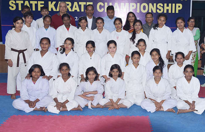 Mayor felicitates first batch of self-defence trainees from Smart District slums