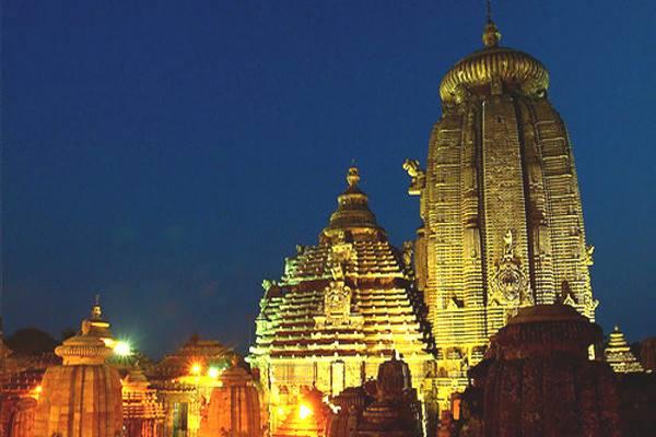 Maha Shivaratri: Lakhs of devotees throng Shiva temples across Odisha
