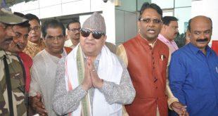 Nepal king visits Lingaraj temple in Bhubaneswar