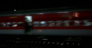 Ahmedabad-Puri express travels without engine, passengers safe