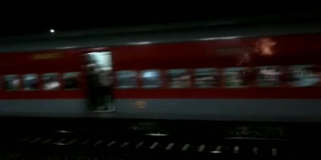 Ahmedabad-Puri express travels without engine, passengers safe