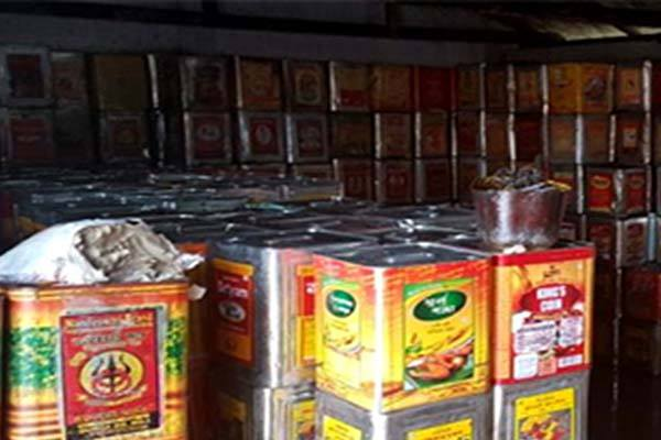 Illegal edible oil godown busted in Cuttack