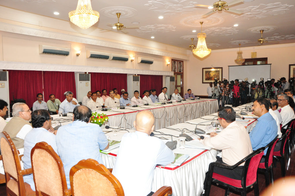 Governor advises Vice Chancellors to improve Universities' research activities