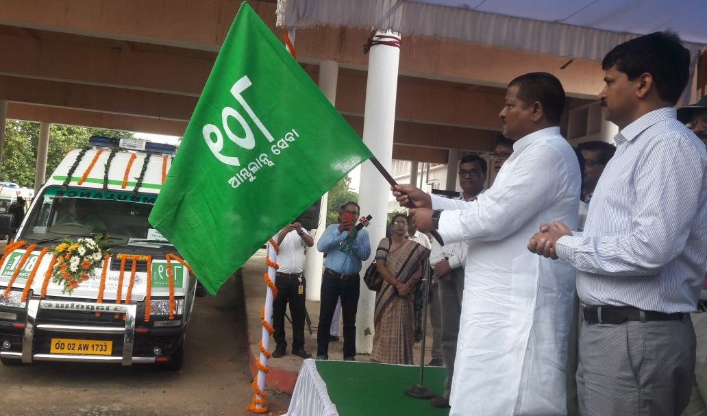 Jena flags off 26 additional 108 ambulances in Odisha