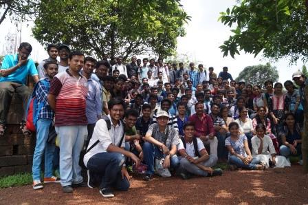 IIT students join Ekamra Walks, Dillip Tirkey joins museum trail