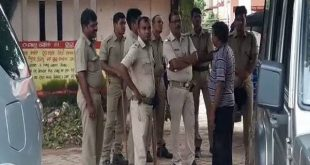 Tension ran high at Pipil hospital in Puri district after a 40-year-old patient died allegedly due to the absence of doctor in the medical and delay in treatment.