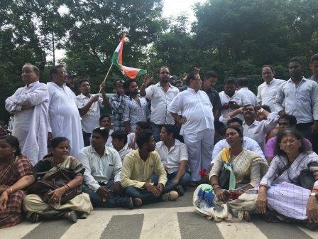 Bharat Bandh over fuel price hike paralyses normal life in Odisha