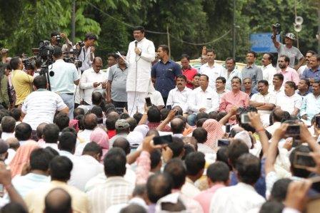 Dharmendra requests Odisha govt to meet teachers' demands