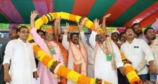 Former minister Padmalochan Panda joins BJP