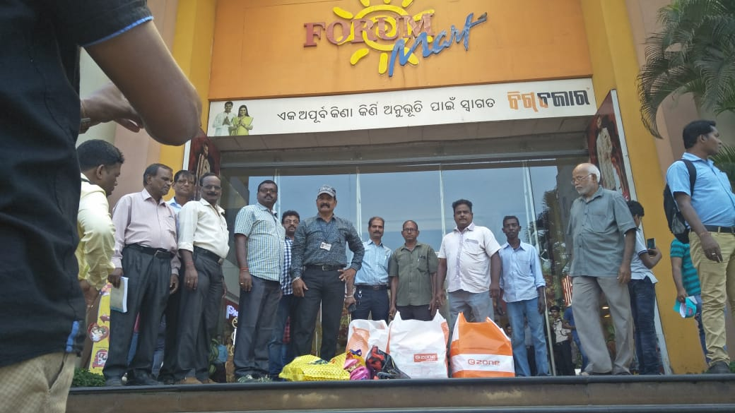 BMC conducts massive raids on malls, seized 71 kg polythene
