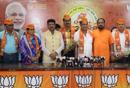 Former Aska MLA joins BJP