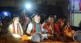 Amit Shah holds roadshow in Puri