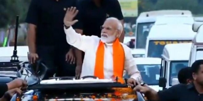 Modi holds roadshow in Bhubaneswar