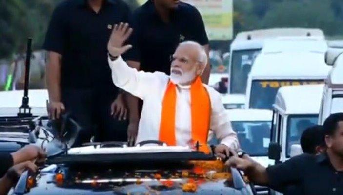 Modi holds roadshow in Bhubaneswar