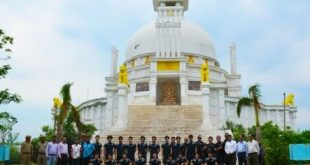 Japan hockey team enjoy visit to Dhauli Shanti Stupa