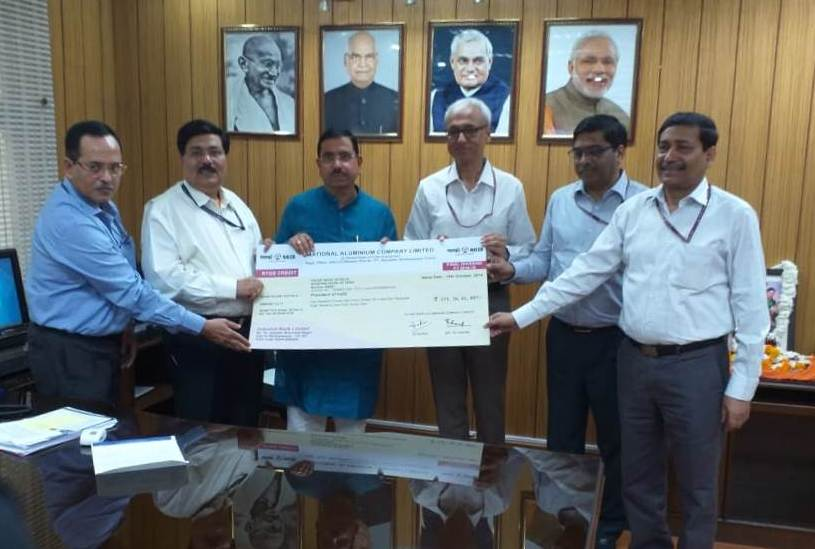 NALCO pays final dividend of Rs 557.80 crore to Centre
