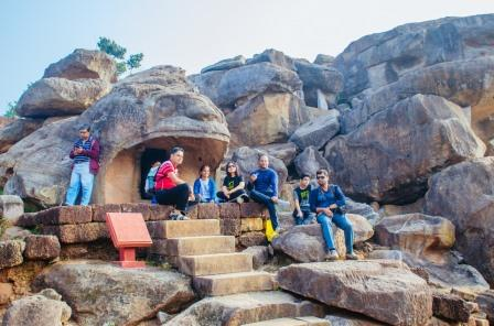 Travellers enjoy 94th Monks, Caves and Kings heritage trail