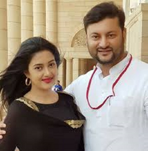 Anubhav files divorce petition