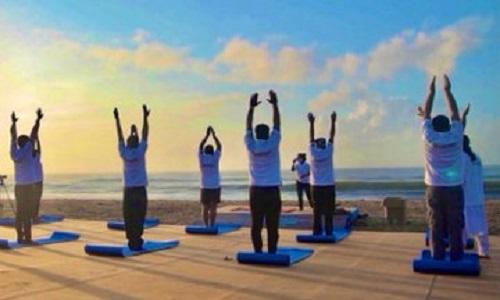 Mo beach yoga campaign