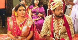 Actor Amlan's wife falls off Mahanadi bridge