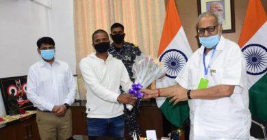 Governor felicitates Bhagyasri Sahoo, Silu Nayak