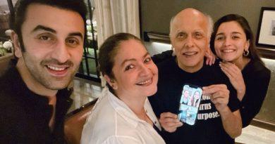 Alia and Ranbir Kapoor celebrate Mahesh Bhatt's birthday